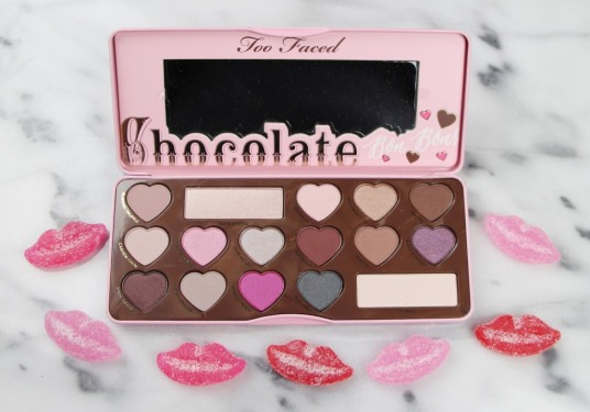 Too-Faced-Chocolate-Bon-Bons-Eye-Shadow-Palette-Review-Swatches-2-1024x717