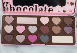 Too-Faced-Chocolate-Bon-Bons-Eye-Shadow-Palette-Review-Swatches-3-1024x717