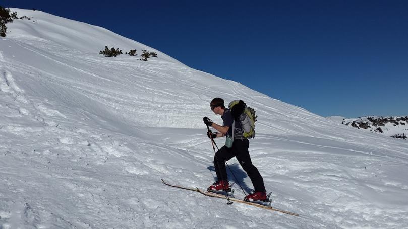 ski-tour-635965_960_720.jpg